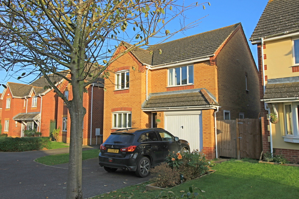 10 Burton Way, Spaldwick
