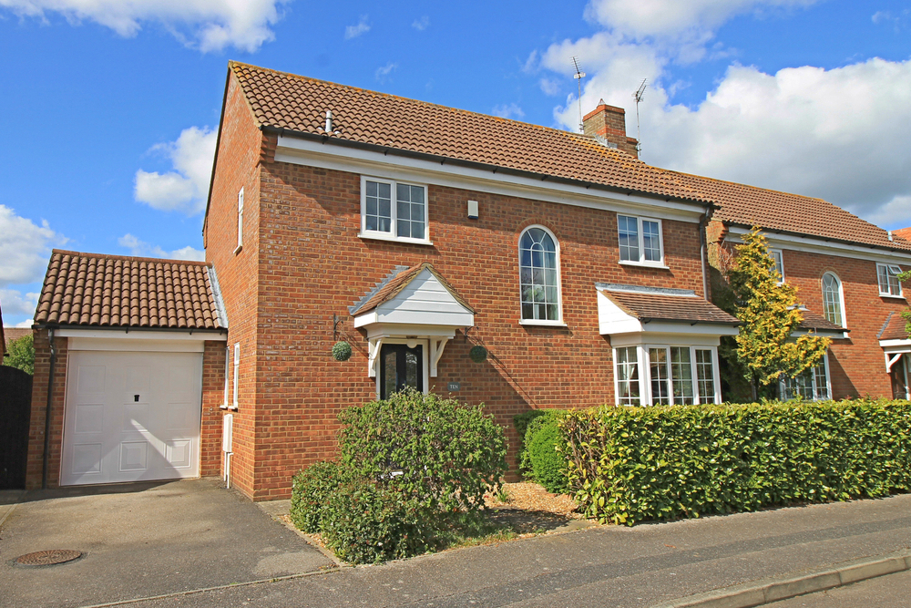 Four bedroom detached house in Fishers Way, Godmanchester