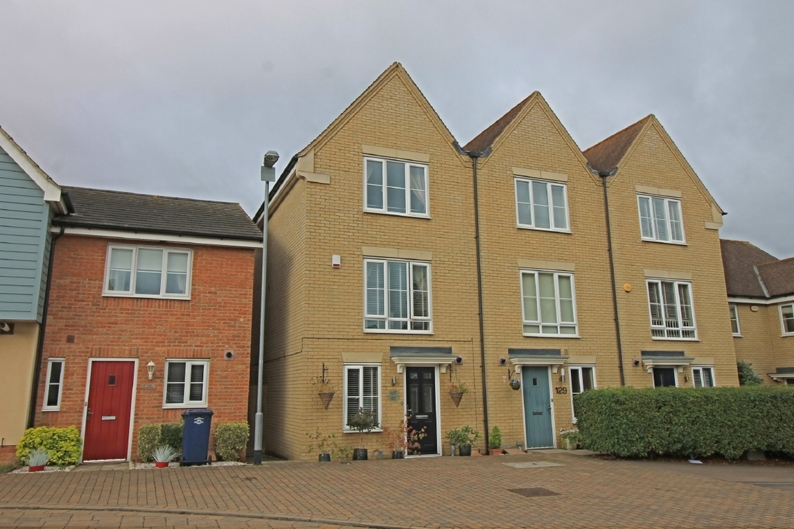 Three bedroom townhouse in Stokes Drive, Godmanchester