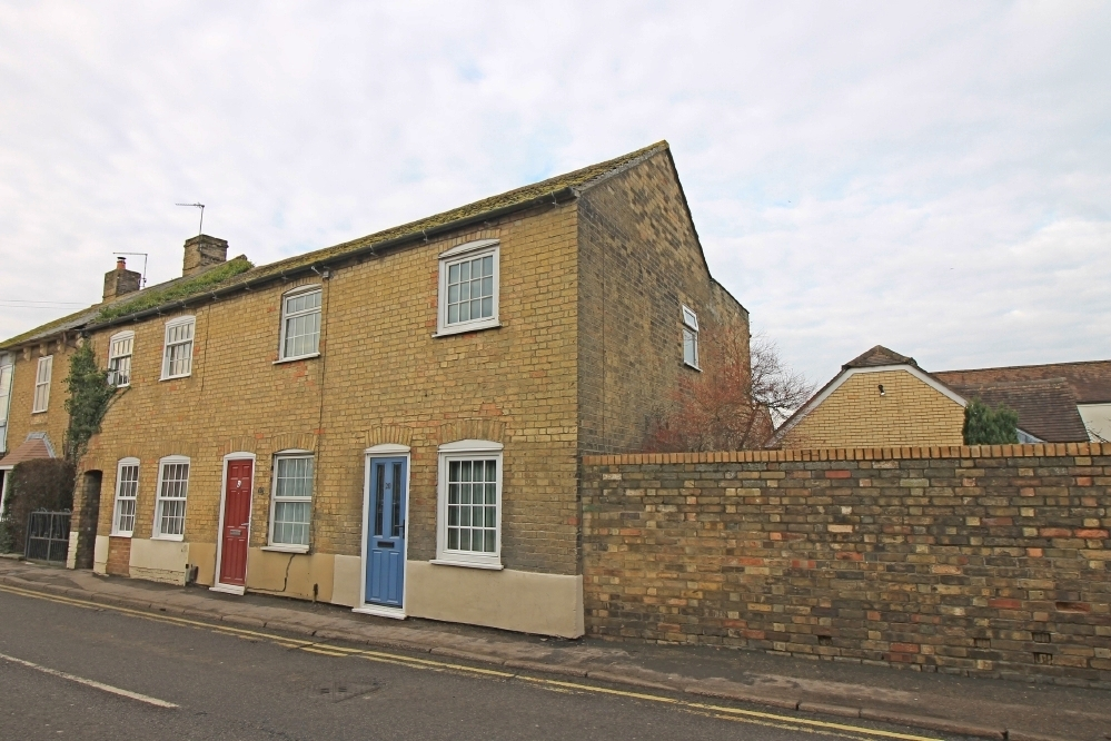 Two bedroom end terrace home in Godmanchester