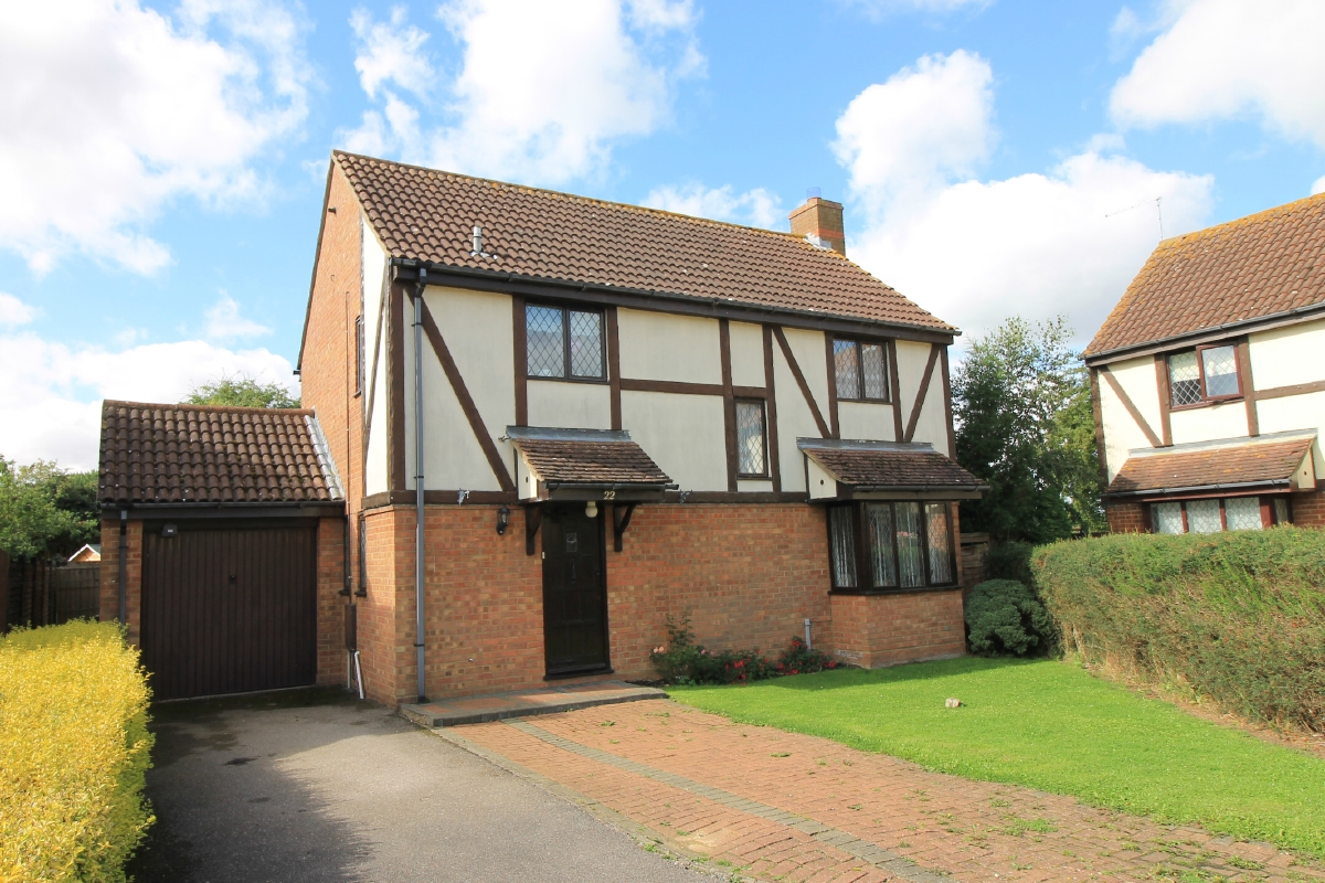 Detached house with open fields behind in Fishers Way, Godmanchester
