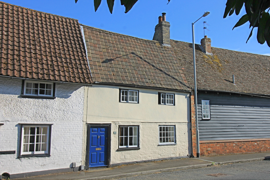 Two bedroom terrace cottage on West Street