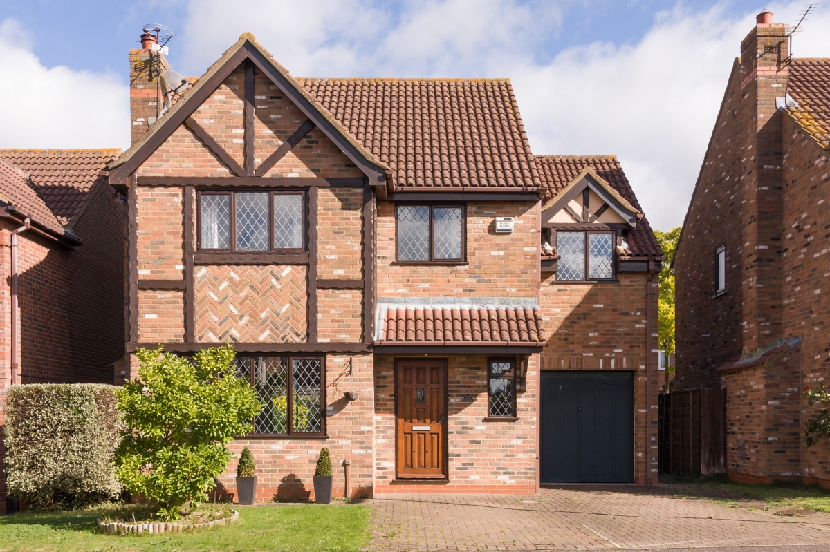 Four bedroom detached house in Bluegate