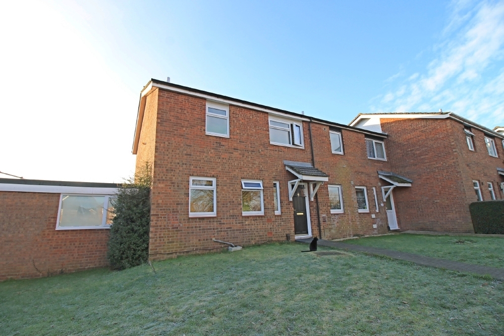 Three bedroom end terrace home with garage in Eaton Socon, St. Neots