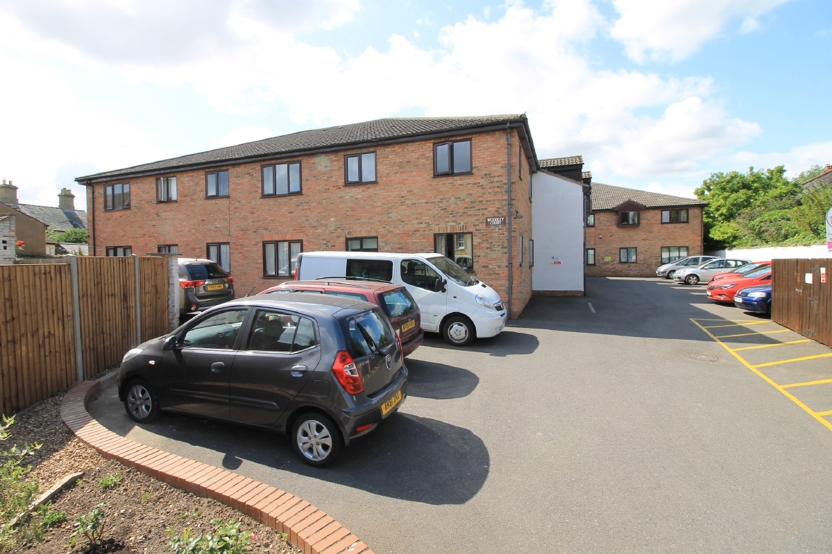 Ground Floor Flat at Woodley Court, Godmanchester