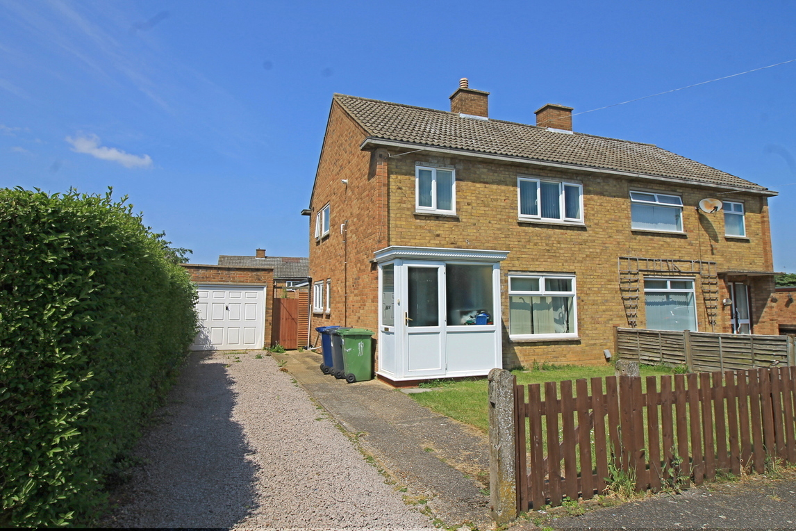 Three bedroom semi detached house on Kisby Avenue