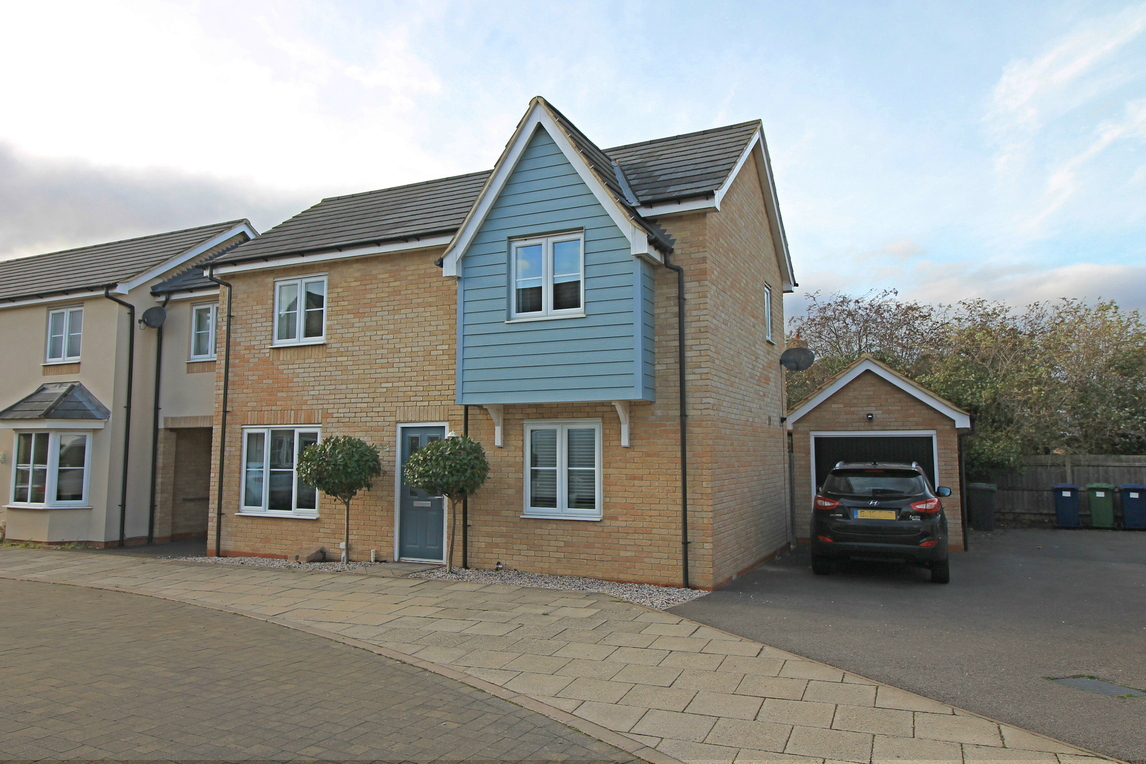 Link detached house in Stokes Drive, Godmanchester
