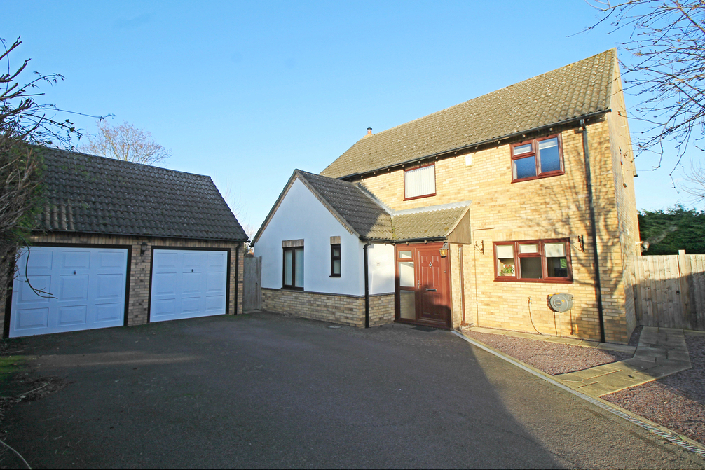 Detached family home in Old Court Hall, Godmanchester