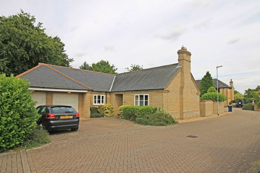 Detached bungalow in Eltisley