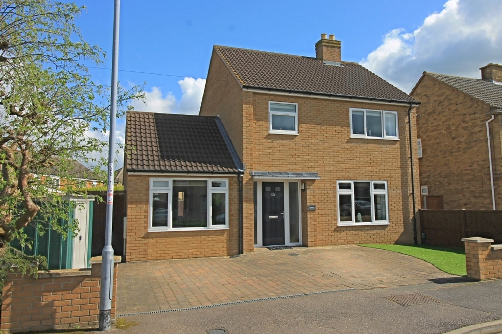 Detached family home in White Hart Lane, Godmanchester