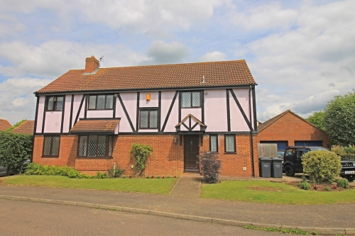 Five bedroom detached family home in Bluegate