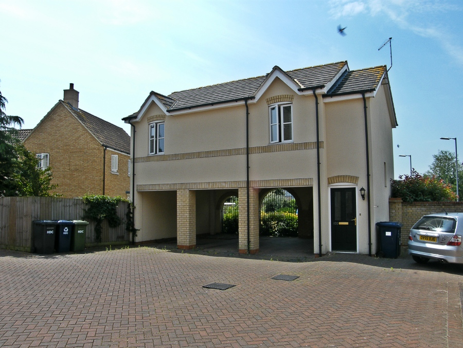 Detached coach house in Godmanchester