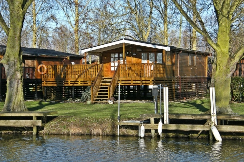 Lodge at Buckden Marina with river frontage