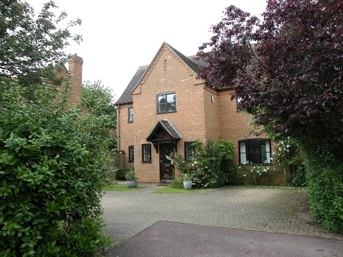 Detached family home in The Orchard, Little Paxton.