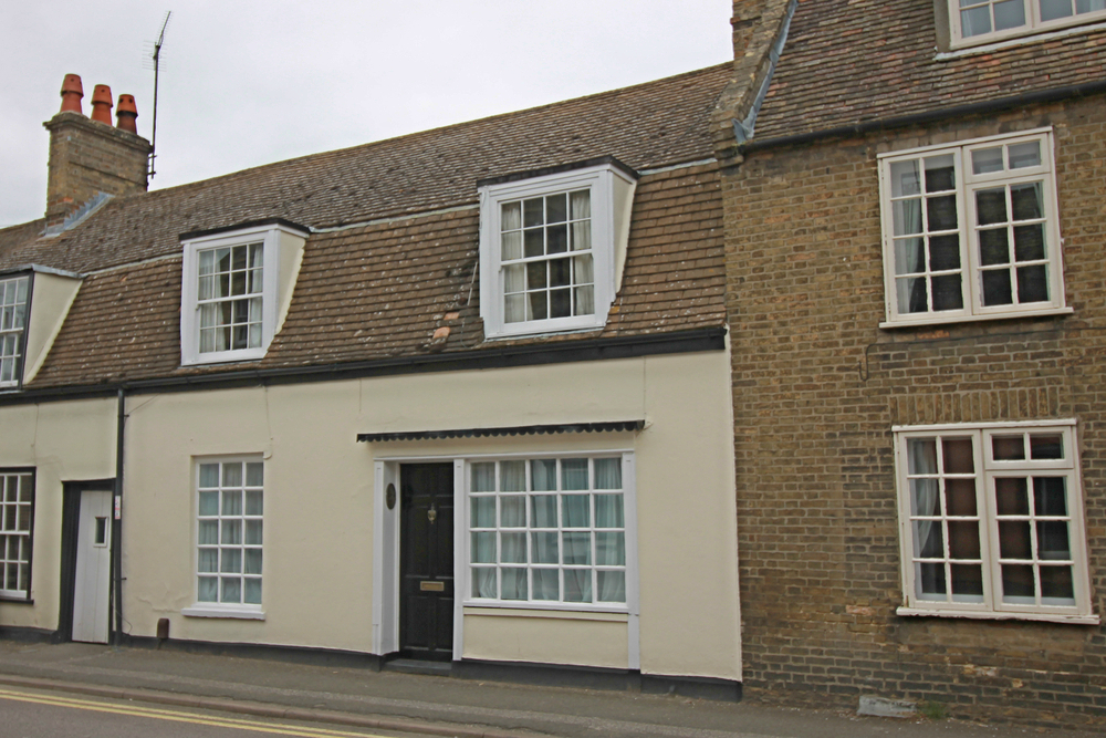 Two bedroom Grade II Listed cottage