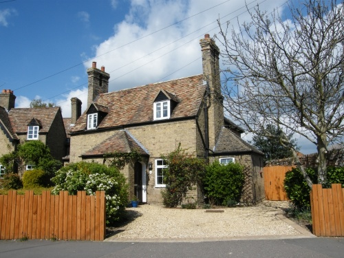 SALE AGREED – Cottage overlooking Brampton village green.