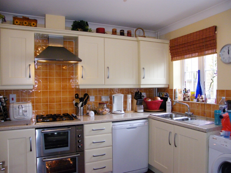 Four Bedroom house Godmanchester kitchen
