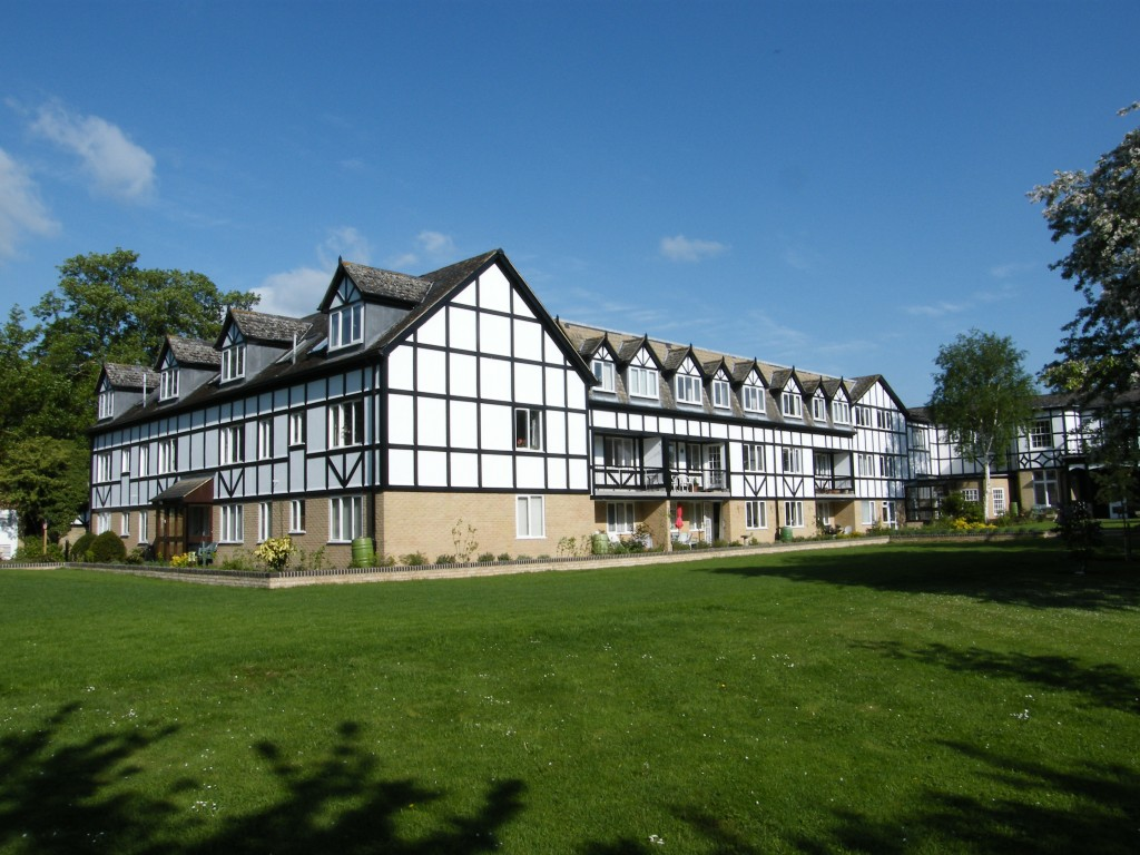 Flats in The Chestnuts in Godmanchester a custom built retirement complex with river frontage